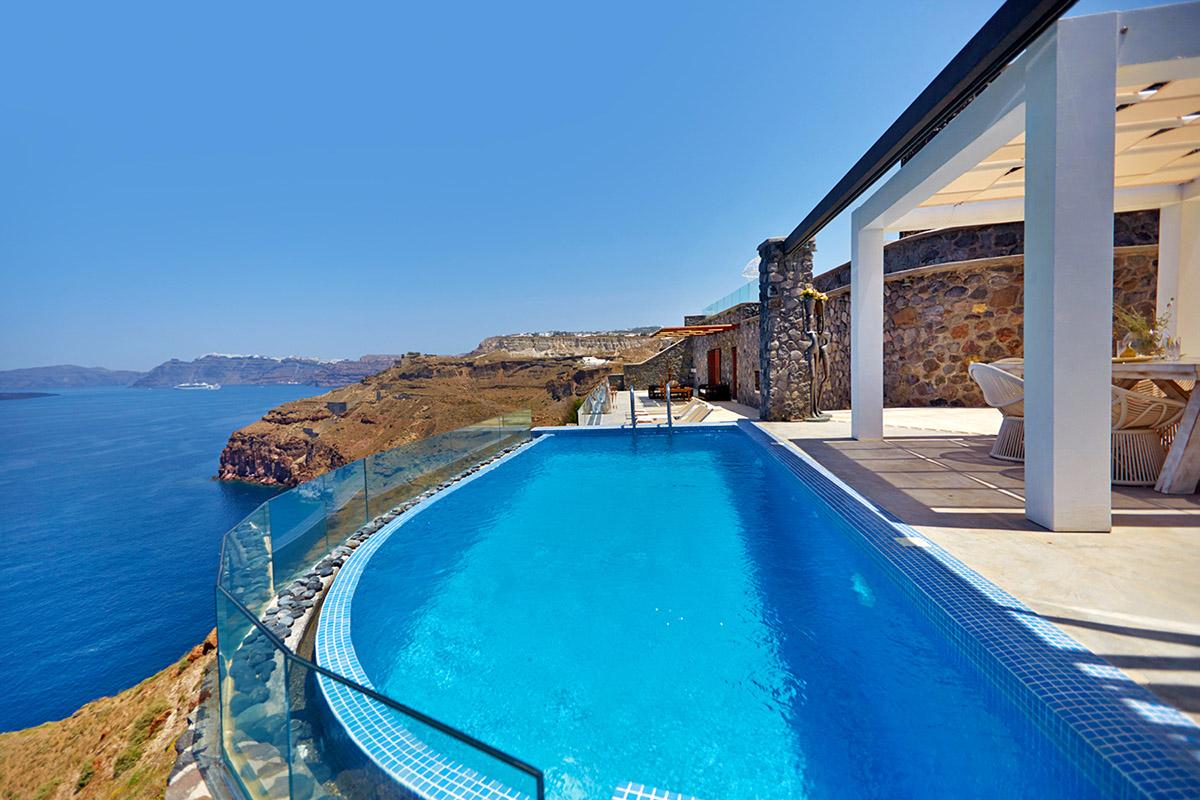 santorini villas infinity pools