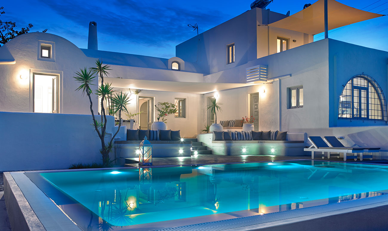 Santorini villas private pools luxury santorini villas for Villas with pools