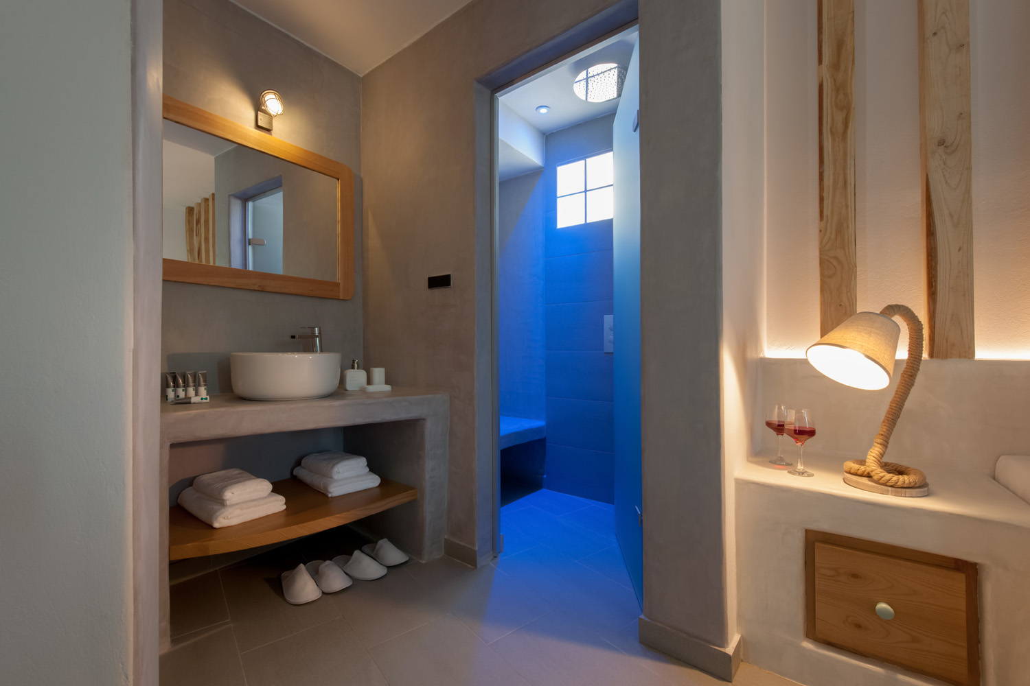 Neptune Luxury Spa Suites - Santorini suites with private pools and spa