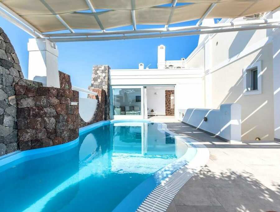 aspronisi-villa-secret-earth-santorini-pool