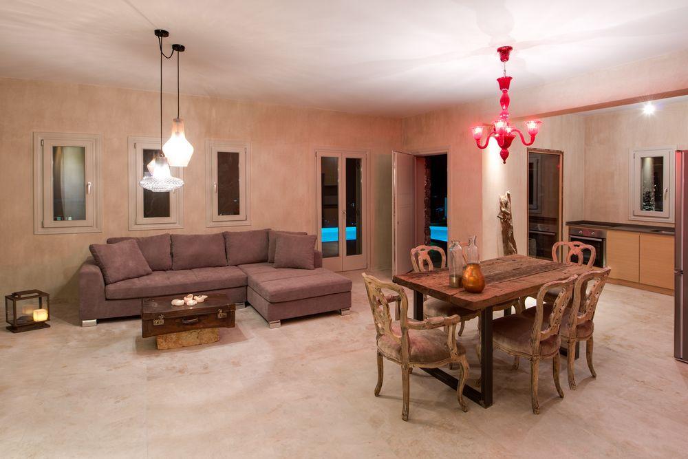 Amaranthine Villa