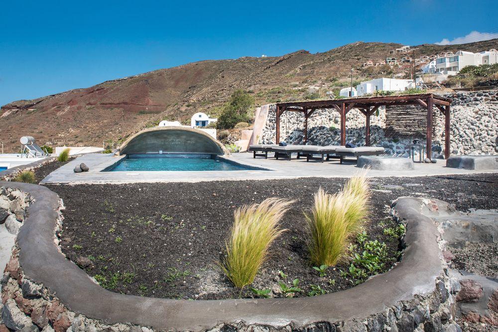 finikia villa pool