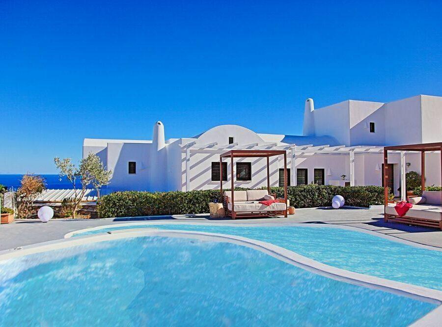pool-terrace-irene's-villa-fira