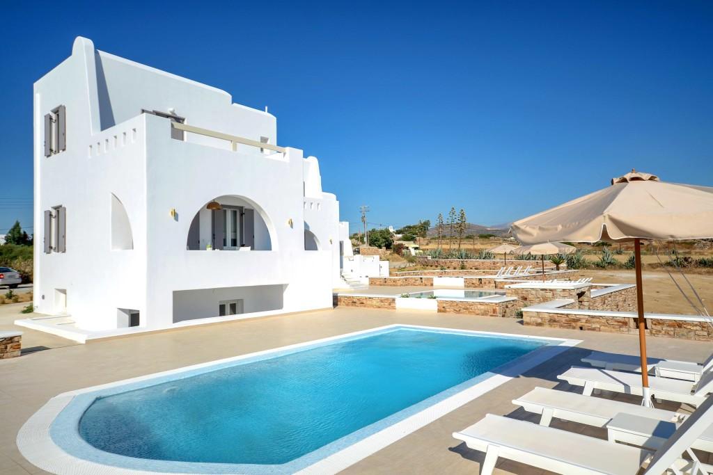 plaka beach villas naxos