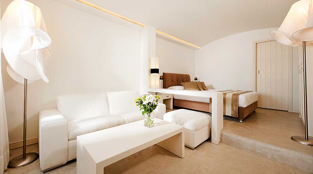 galaxy suites and villas images