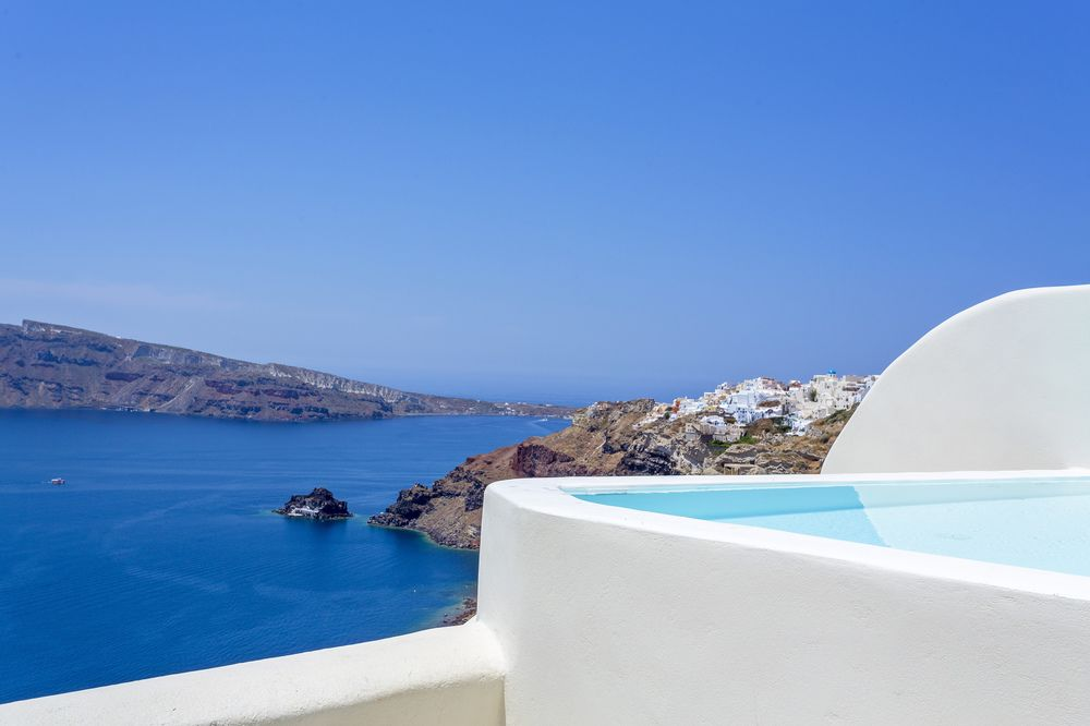 canaves oia suites images