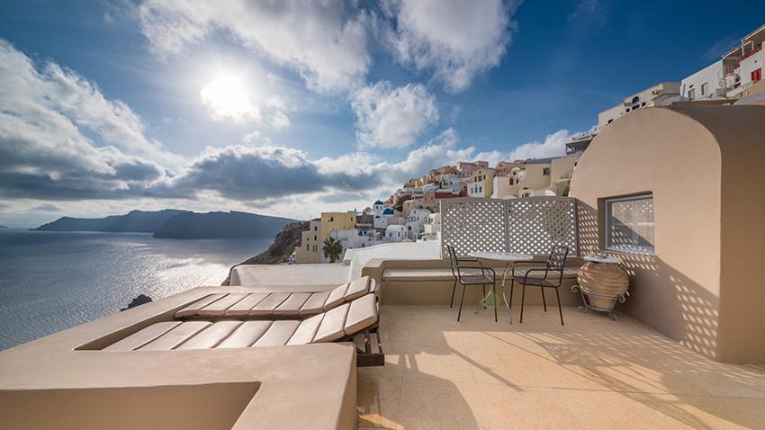 Luxury villas Oia Santorini