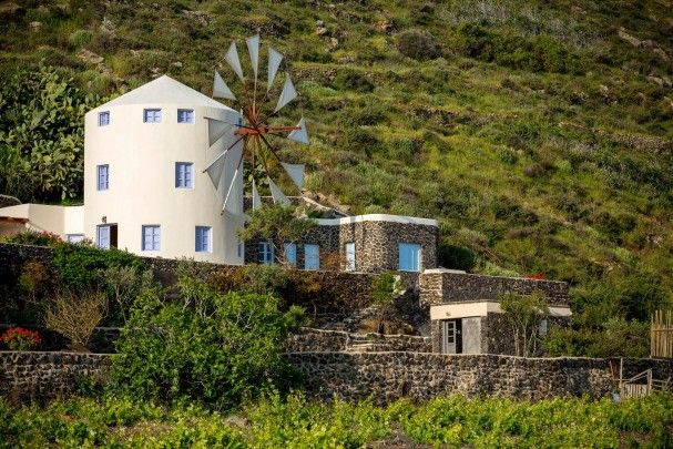 windmill villas santorini