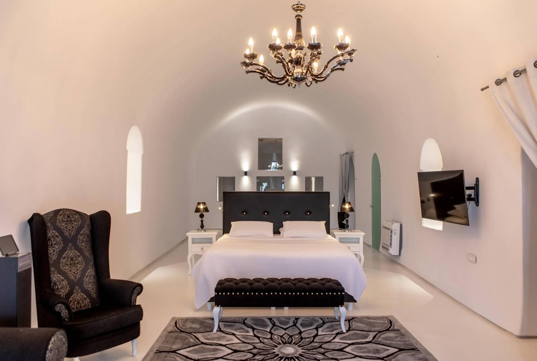 santorini mansion suite