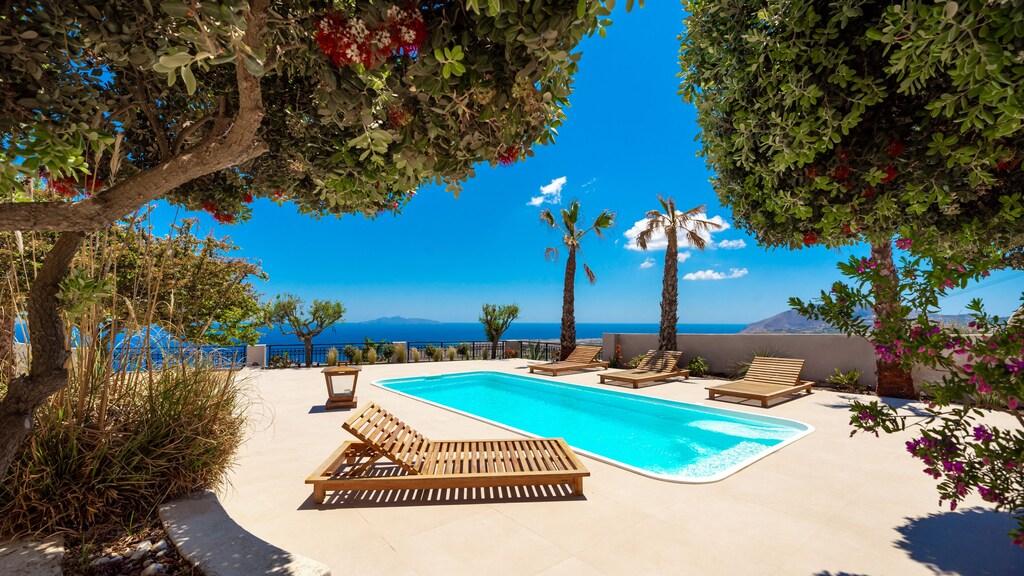 private pools luxury villas imerovigli