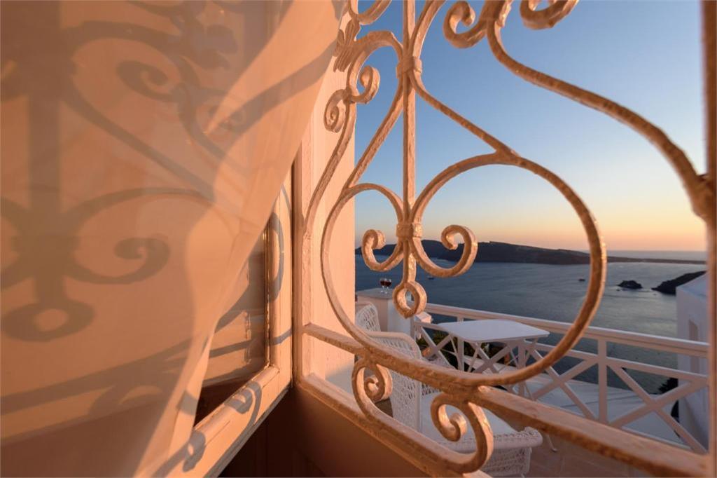 oia 3 bedroom villas santorini