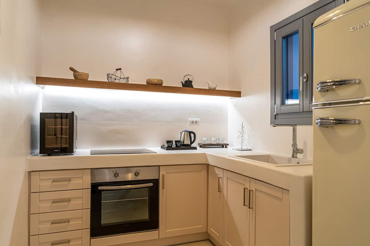exo gonia villa santorini kitchen