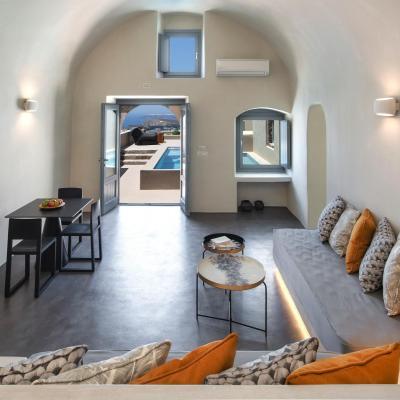 cave suites pyrgos santorini