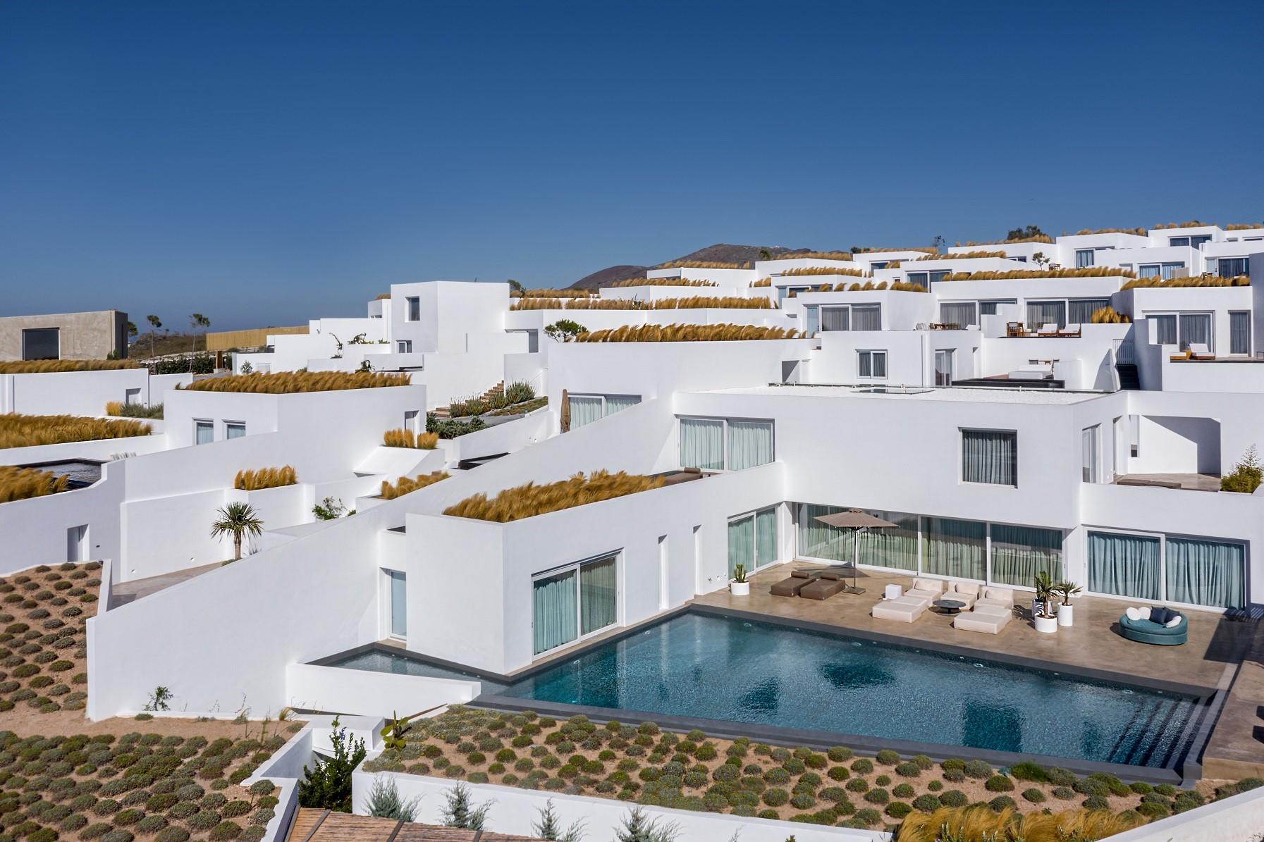 pool villas oia santorini