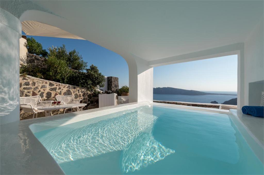 oia 3 bedroom villas