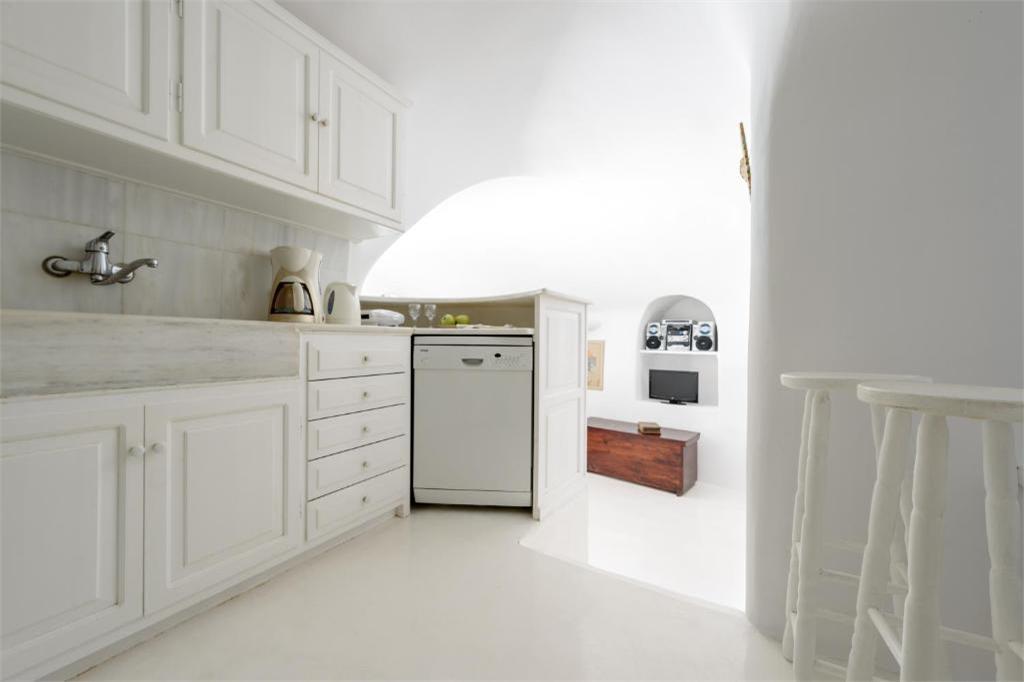 oia 3 bedroom villas kitchens