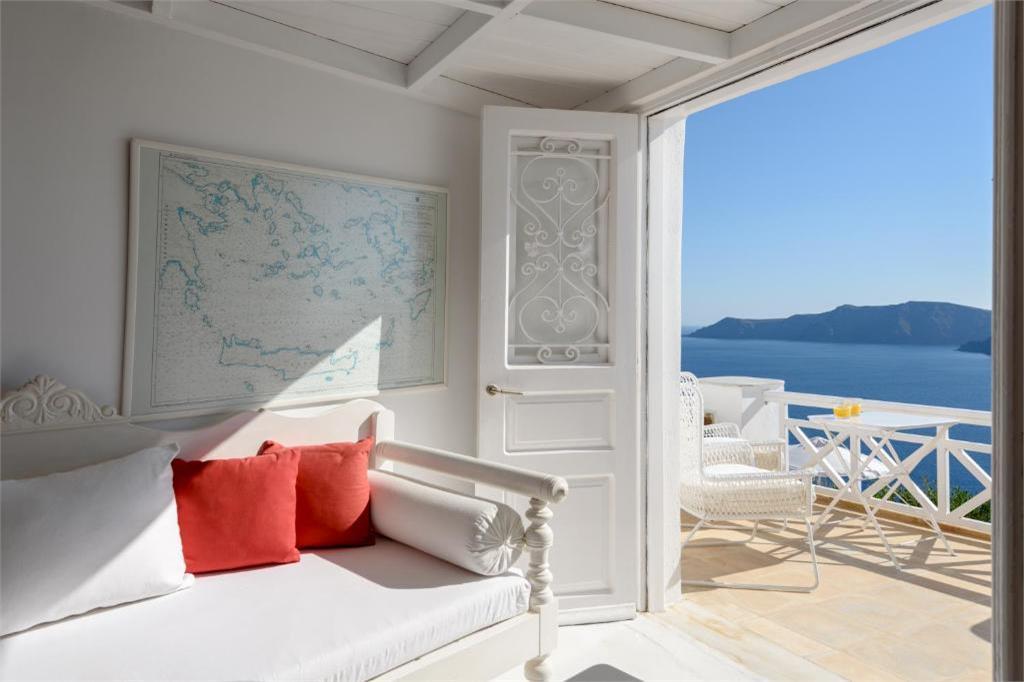 oia 3 bedroom villas caldera views