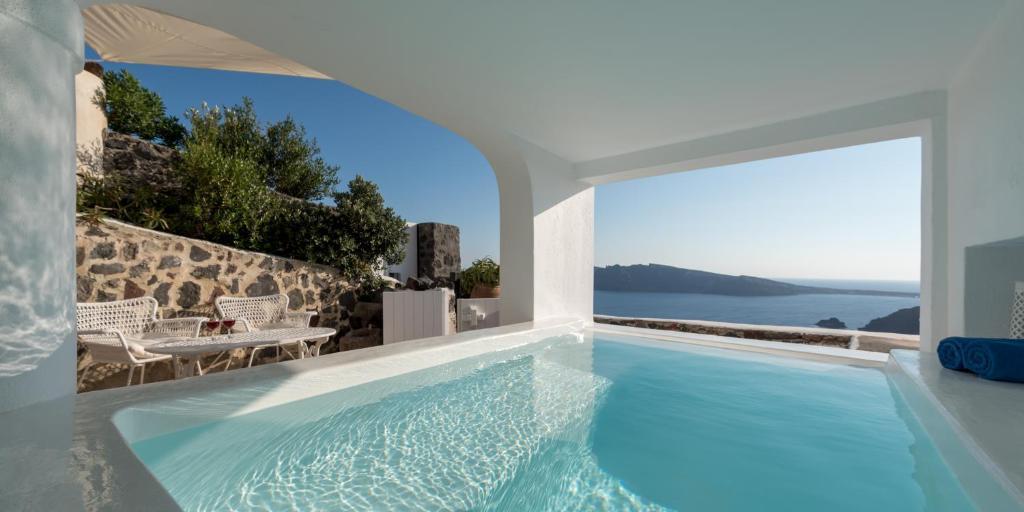 luxury oia villas