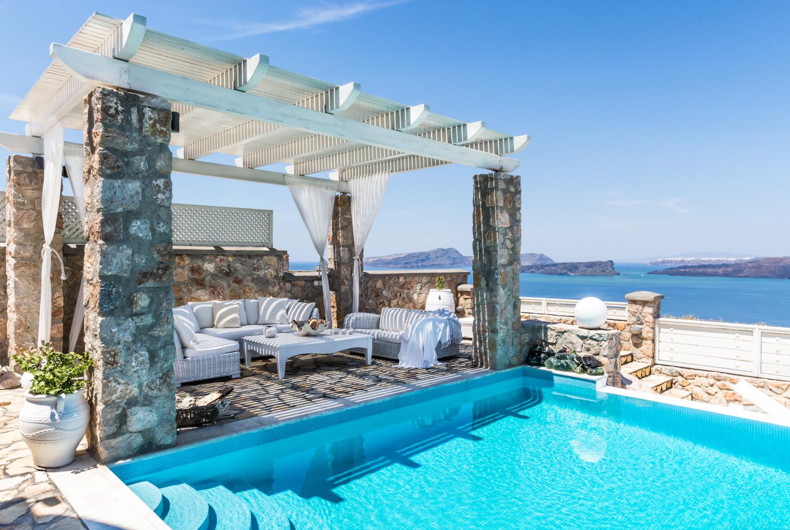pool villas santorini