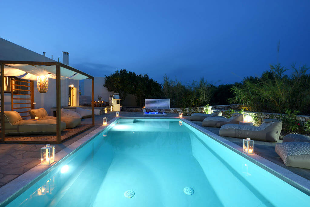 villas private pools paros