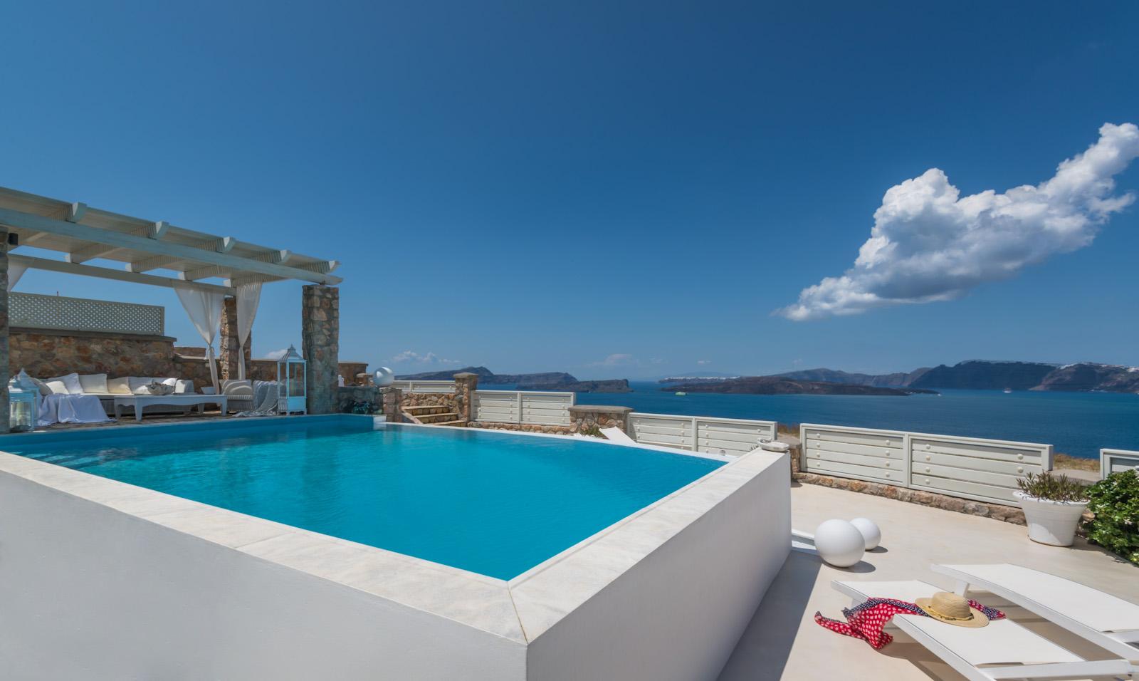 luxury santorini villas