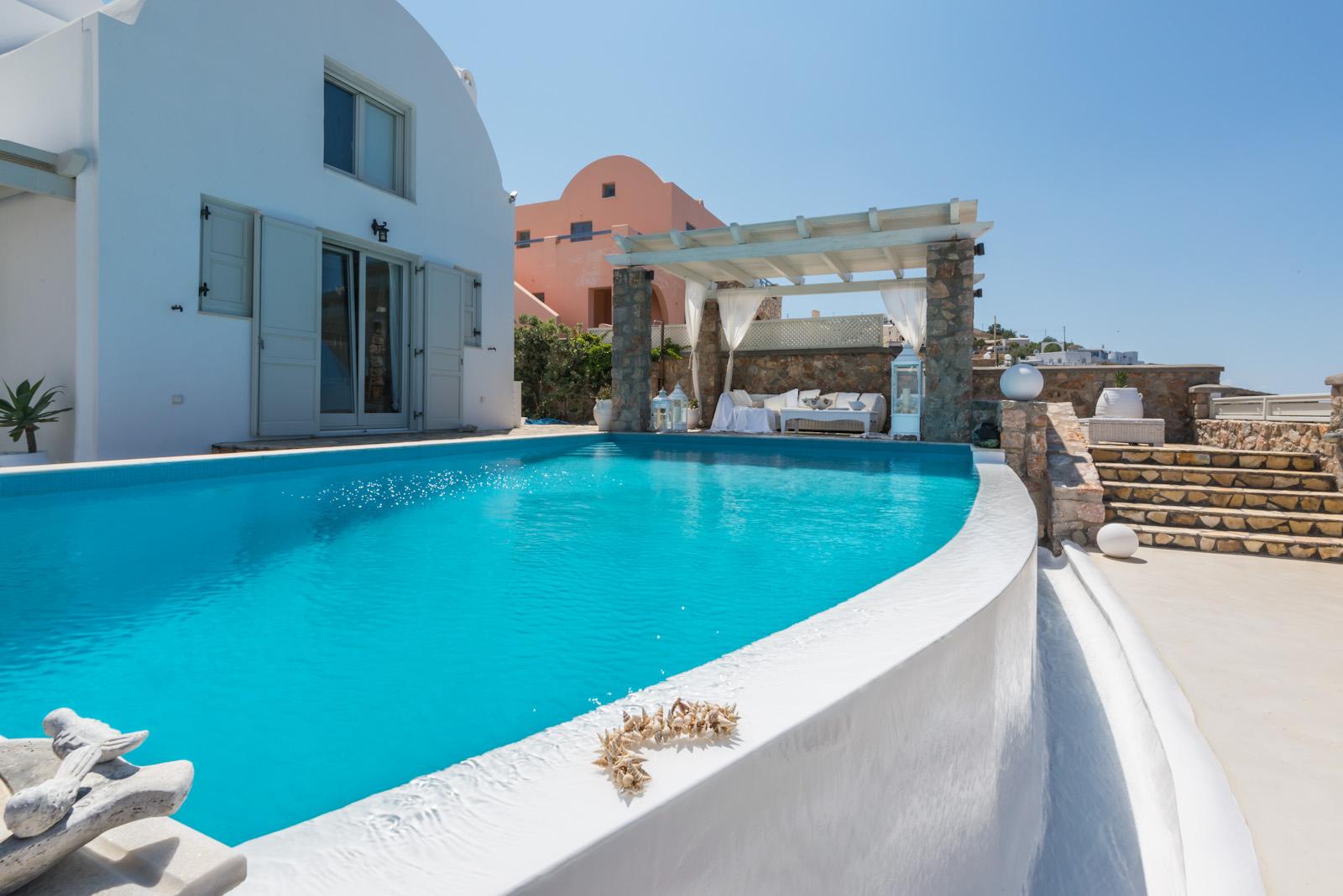 pools santorini villas