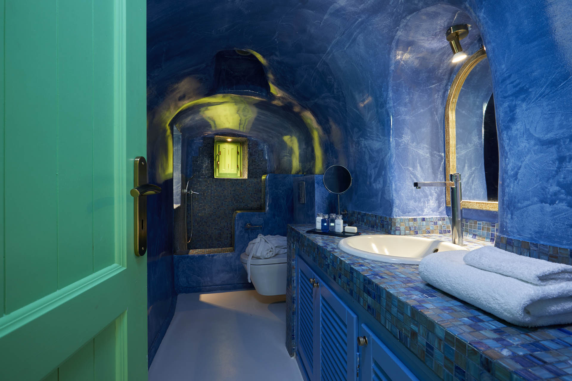 santorini jacuzzi suites