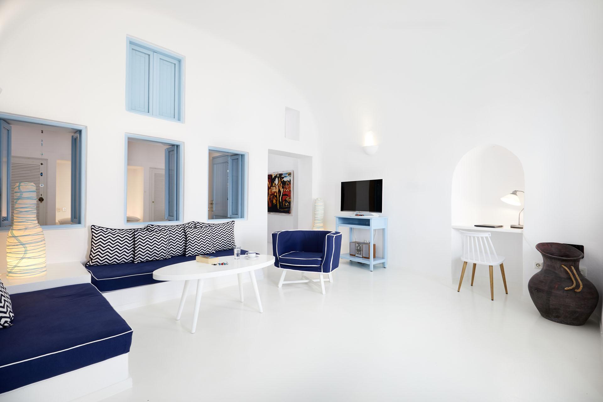 luxury suites imerovigli santorini
