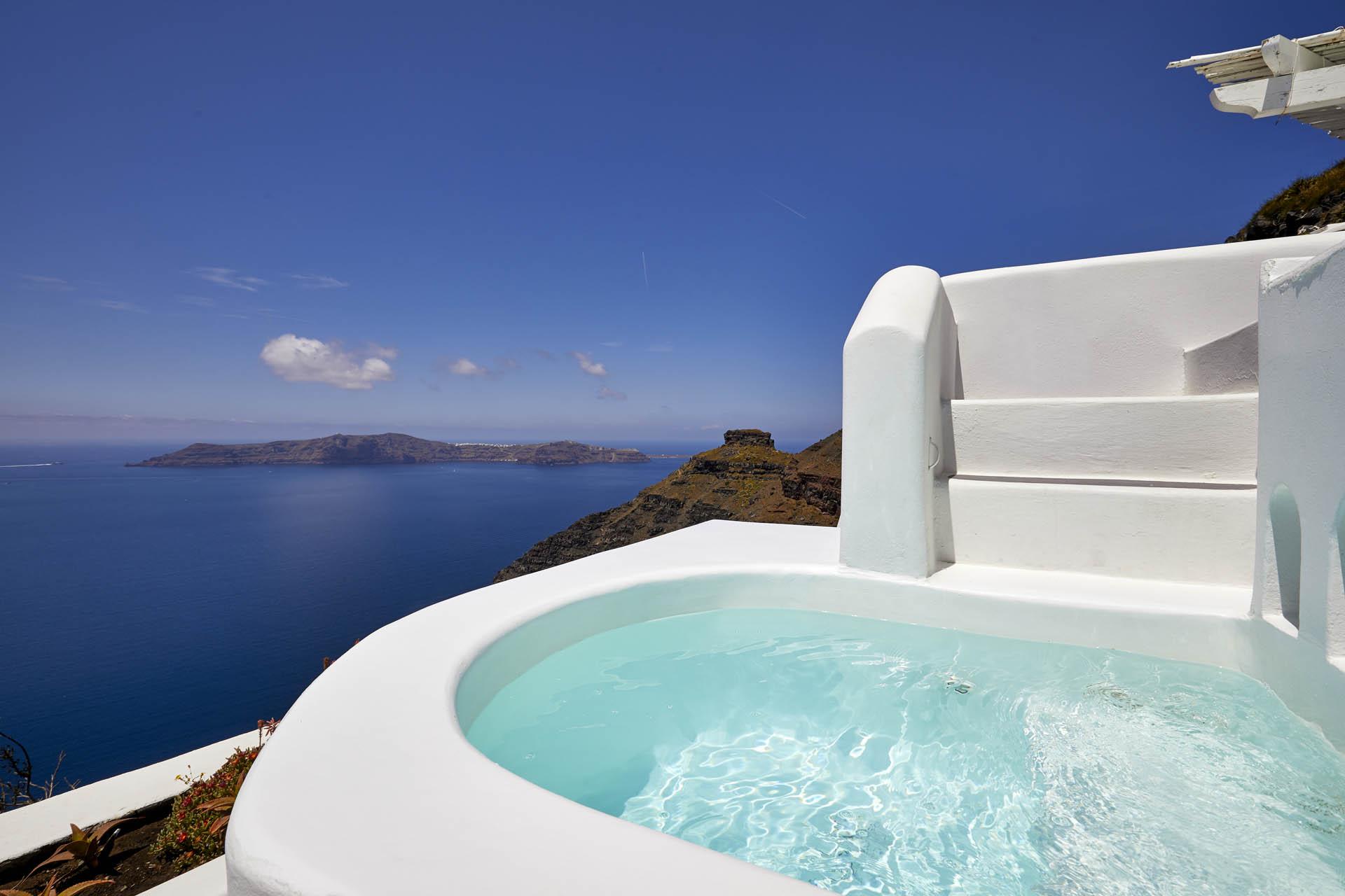 luxury suites santorini imerovigli