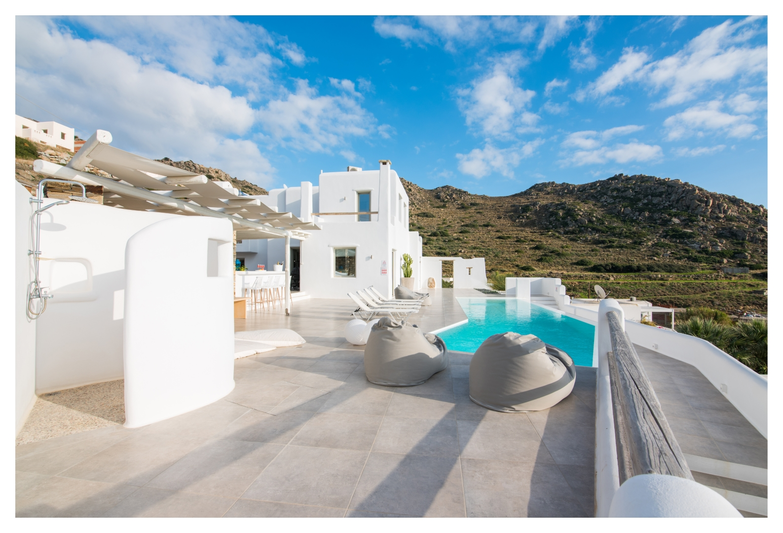 naxos vilas private pools