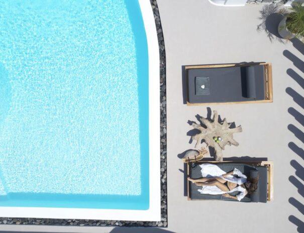 private pools santorini villas